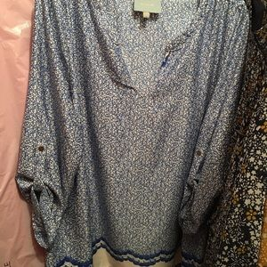 Skies are Blue cream and blue 3/4 sleeve blouse
