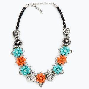 Zara flower necklace