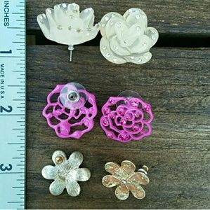 Jewelry - Flower earring set sold together