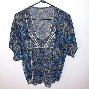 Xhilaration floral shortsleeve blouse
