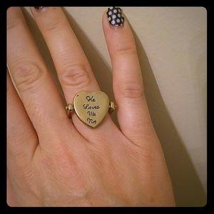 Jewelry - He Loves Me/He Loves Me Not goldtone flip ring