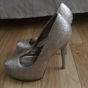 Glitter Gold Steve Madden heels