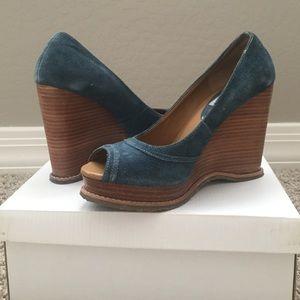Steve Madden Shoes - Steve Madden size 6 wedge
