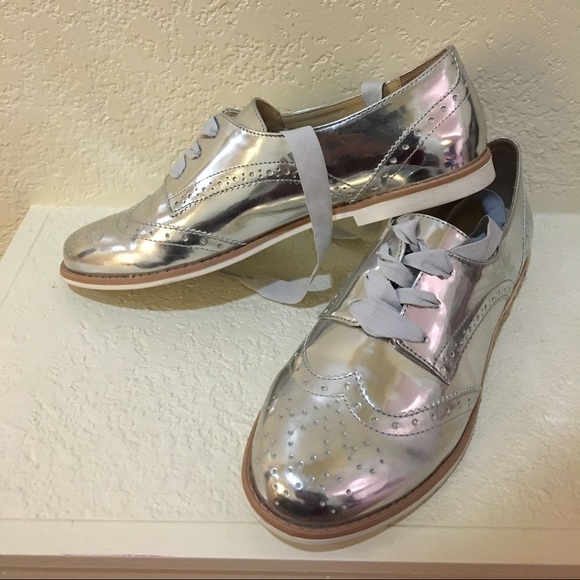 19af2eef11d Silver Oxford women s shoes.