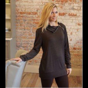 Boutique Tops - ✨HP✨ BOUTIQUE zipper neck pullover
