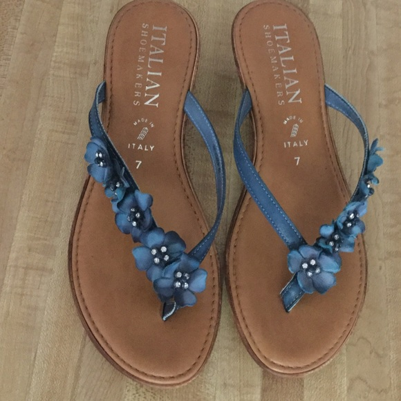 4ba2ff440 Italian Shoemakers Shoes - ITALIAN SHOEMAKERS Blue Flower Leather Sandals  Sz7