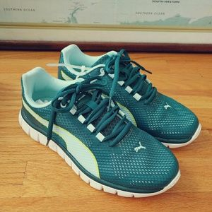 Puma Shoes - Puma Lightweight Running Shoes Sneakers Teal 6.5