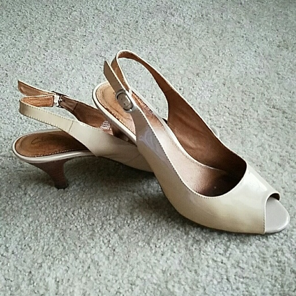 d29f01fb7ad Clarks Shoes - Clarks leather peep toe slingback heels
