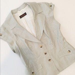 Escada Jackets & Blazers - Escada gorgeous short jacket