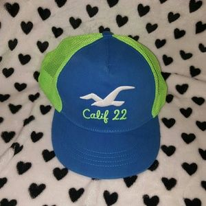 Hollister Accessories - FLAWLESS HOLLISTER SNAPBACK
