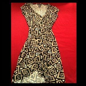 SASSY, Aztec print, Wrap stretched dress. Size S