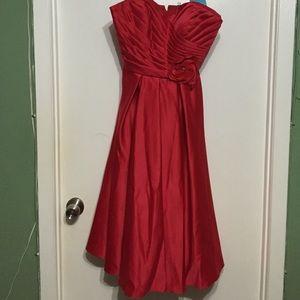 Mori Lee Dresses & Skirts - Strapless Red Dress