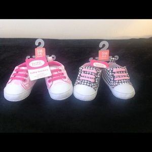 Luvable Friends Other - Livable Friends Baby Shoes - 2 pairs