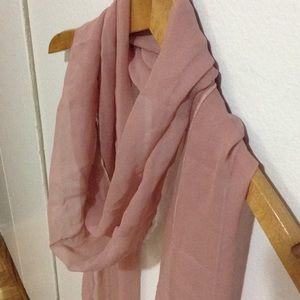 Accessories - Dusty pink silk scarf