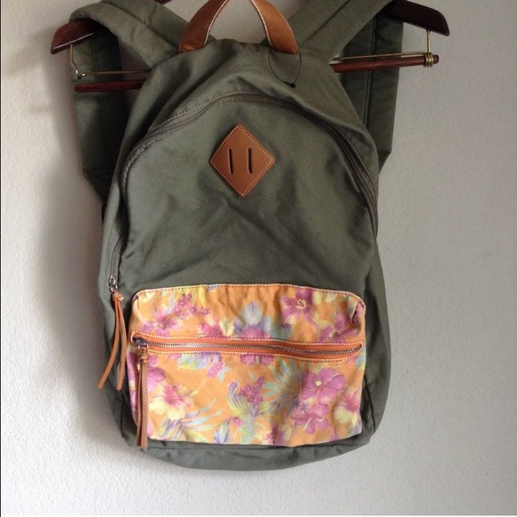 da1fe9dc61af Herschel Supply Company Handbags - Army green   floral herschel backpack   backpack
