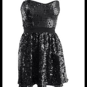 Aqua Dresses & Skirts - AQUA Strapless Sequin Dress