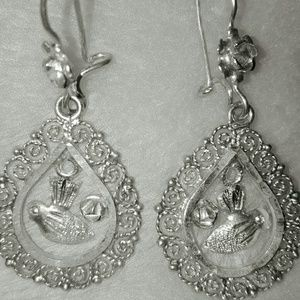 Ladies vintage sterling silver earrings