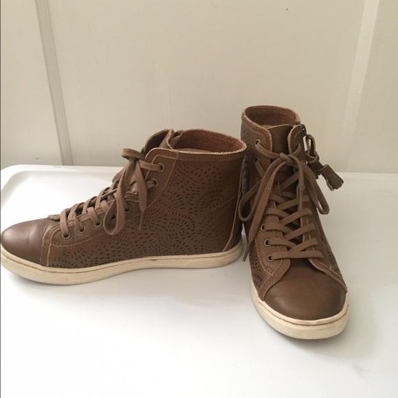 FOOTWEAR - High-tops & sneakers UGG iMEK5o3E5