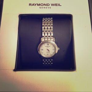 Raymond Weil Accessories - Beautiful Raymond Weil watch Like New