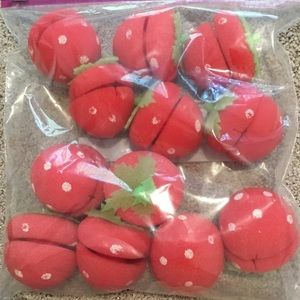 Accessories - Strawberry sponge rollers