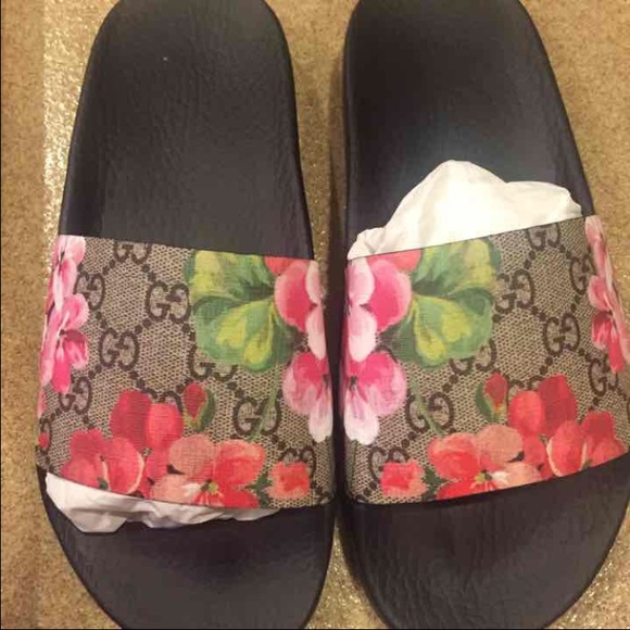 b8198e510 Authentic Gucci Bloom slide 38
