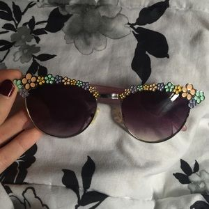 flower child sunglasses // uo