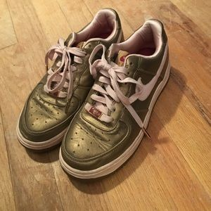Nike Shoes - Retro Nike Air Force XxV Af-1 '82 gold/pink