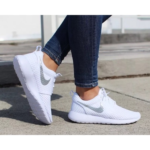 womens nike roshe one casual shoes white
