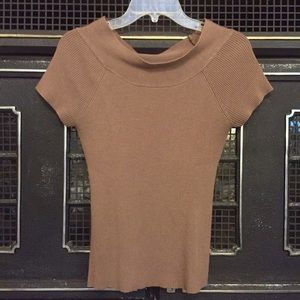 Allison Brittney Tops - Brown ribbed short sleeve sweater