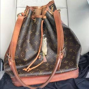 Authentic Louis Vuitton GM Noe