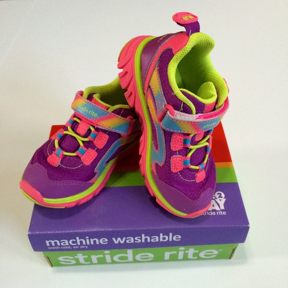 Toddler boys' surprize by stride rite® davon washable performance.