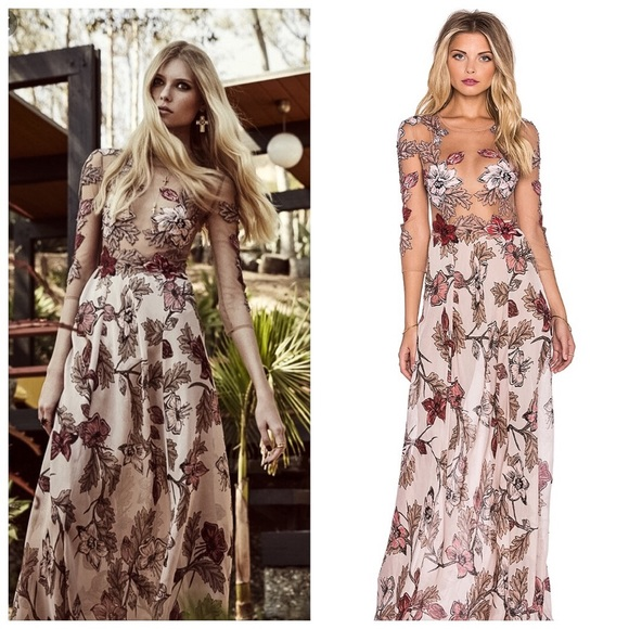 66ed0811629 NWT - For Love   Lemons Sierra Maxi Dress