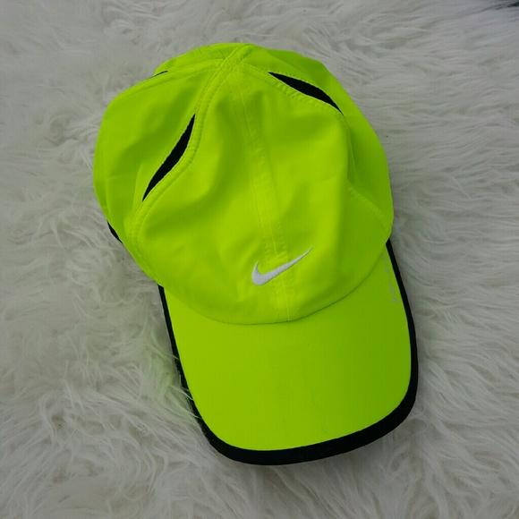 NWOT Nike Dri Fit Neon Hat. M 57d0b698f092826235030a65 22ae407106c