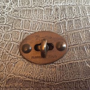 Caggiano Bags - Vintage Caggiano Italian leather croc olive bag