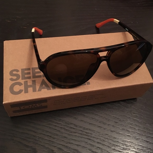258b555d30ee TOMS Accessories | Bnwt Marco Tortoise Aviator Sunglasses | Poshmark