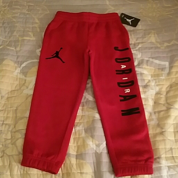 19ffe18d9b02 Air Jordan sweatpants boy size 4-5