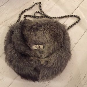Darling Faux Fur Chain Bag