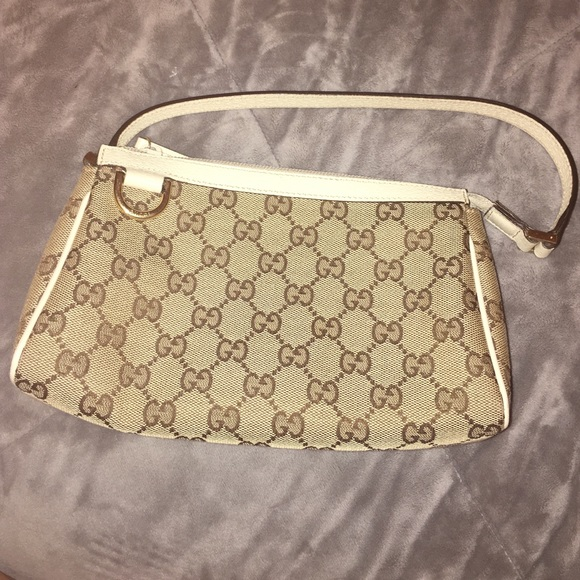 418ae745c4f Gucci Handbags - FINAL SALE! 100% authentic, small Gucci handbag
