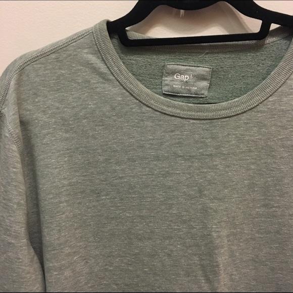 GAP - GAP Crewneck Sweatshirt from ! jordan's closet on Poshmark