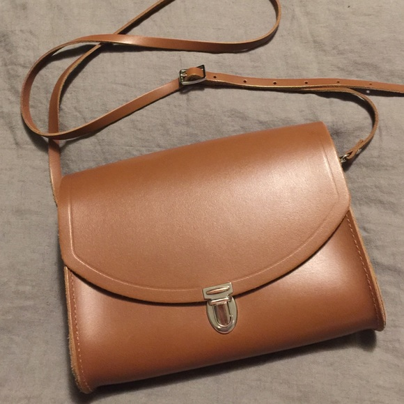 78c0e3454bb42 Cambridge Satchel Company medium push lock bag. M 57d0eea013302a435903aa78