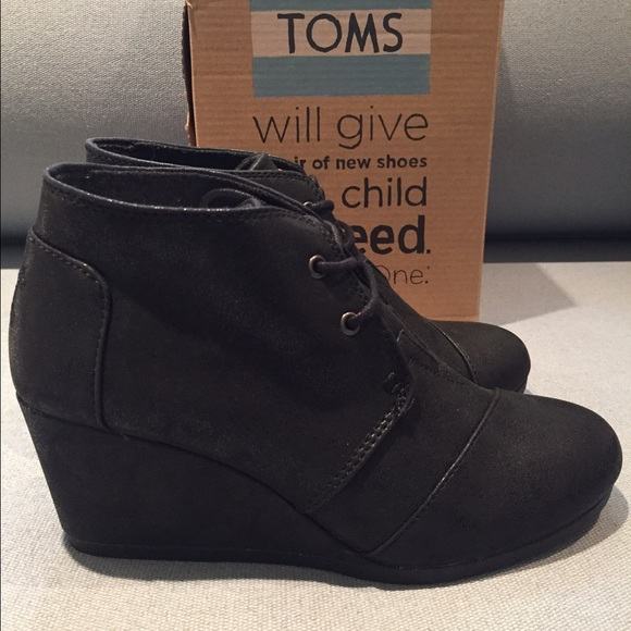 53b176abc5b NIB TOMS Black Metallic Desert Wedge/Boots