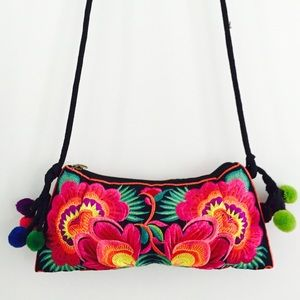 Envelope Bag with Flower Embroidery