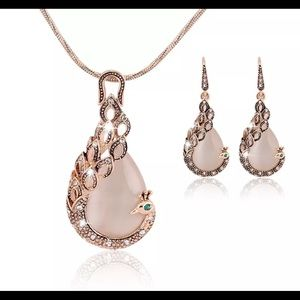 White Opal peacock gold necklace and earrings set