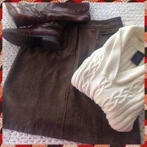 """Valerie Stevens Dresses & Skirts - """"Wooly Bully"""" NWT SKIRT🍂🍁🍂"""