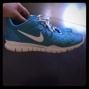Nike women's shoes free tr fit size 8.5