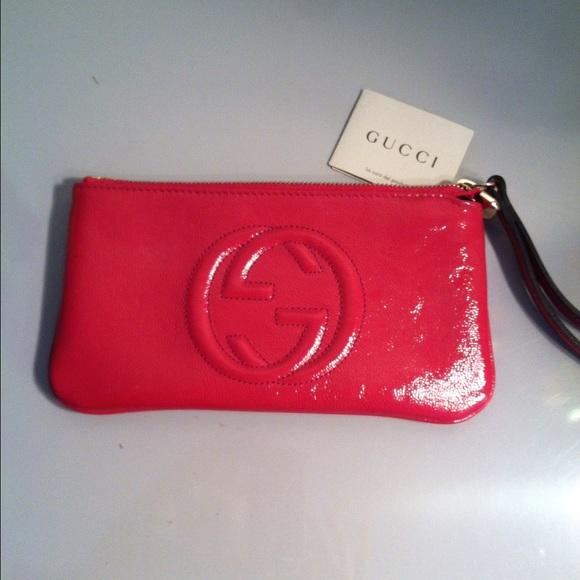 ed06246b4f3 Gucci Soho Leather Wristlet Wallet