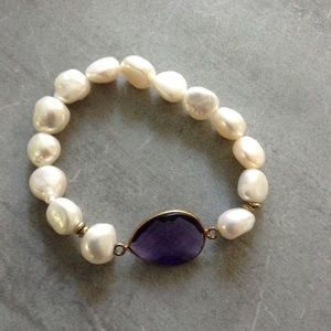 Jewelry - Fresh water pearl bracelet