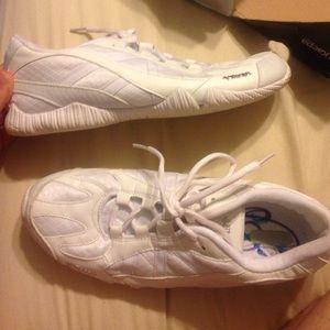 Kaepa Tennis Shoes