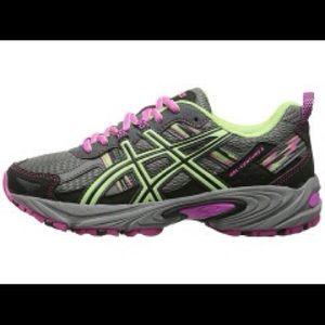 Asics Shoes - Running shoe