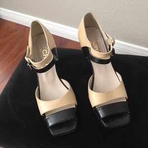Vintage Chanel - Finition Main Two Tone Heels
